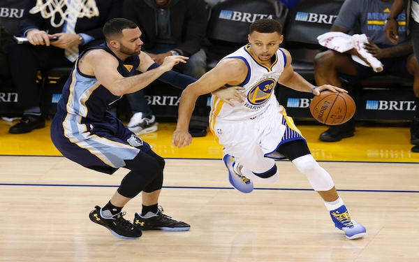 Warriors romp to record 73rd win