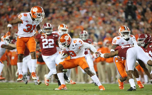 Breaking News - Clemson comes back and beats Alabama for national title