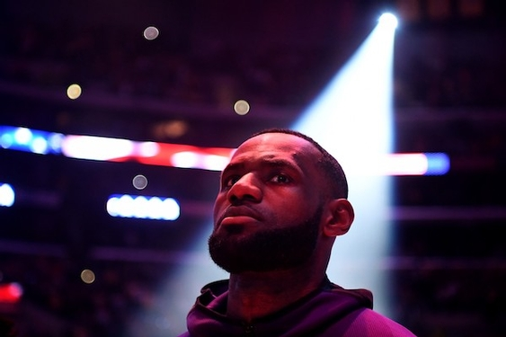 LeBron James goes from shunned to beloved in L.A., a remarkable image makeover