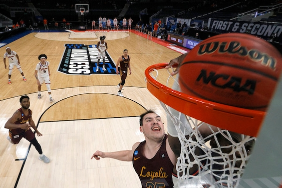 No. 8 Loyola stuns No. 1 Illinois 71-58 to punch its ticket to the Sweet 16.