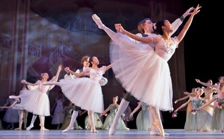 Marat Daukayev School of Ballet's 'The Nutcracker' Returns Dec. 7 at Cal State LA