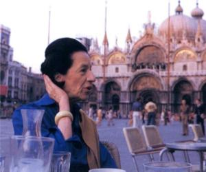 Diana Vreeland: The Eye Has to Travel (Samuel Goldwyn Films)